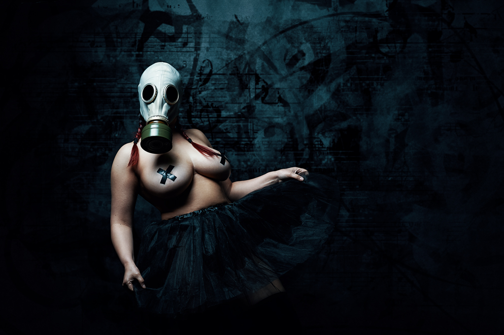 Girl with gas mask, dancing