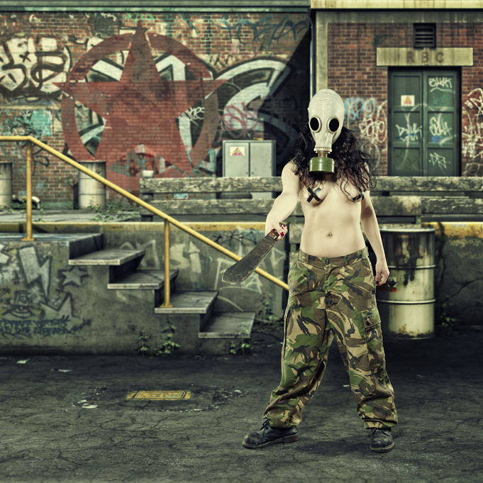 Girl with gas mask, army trousers and katana